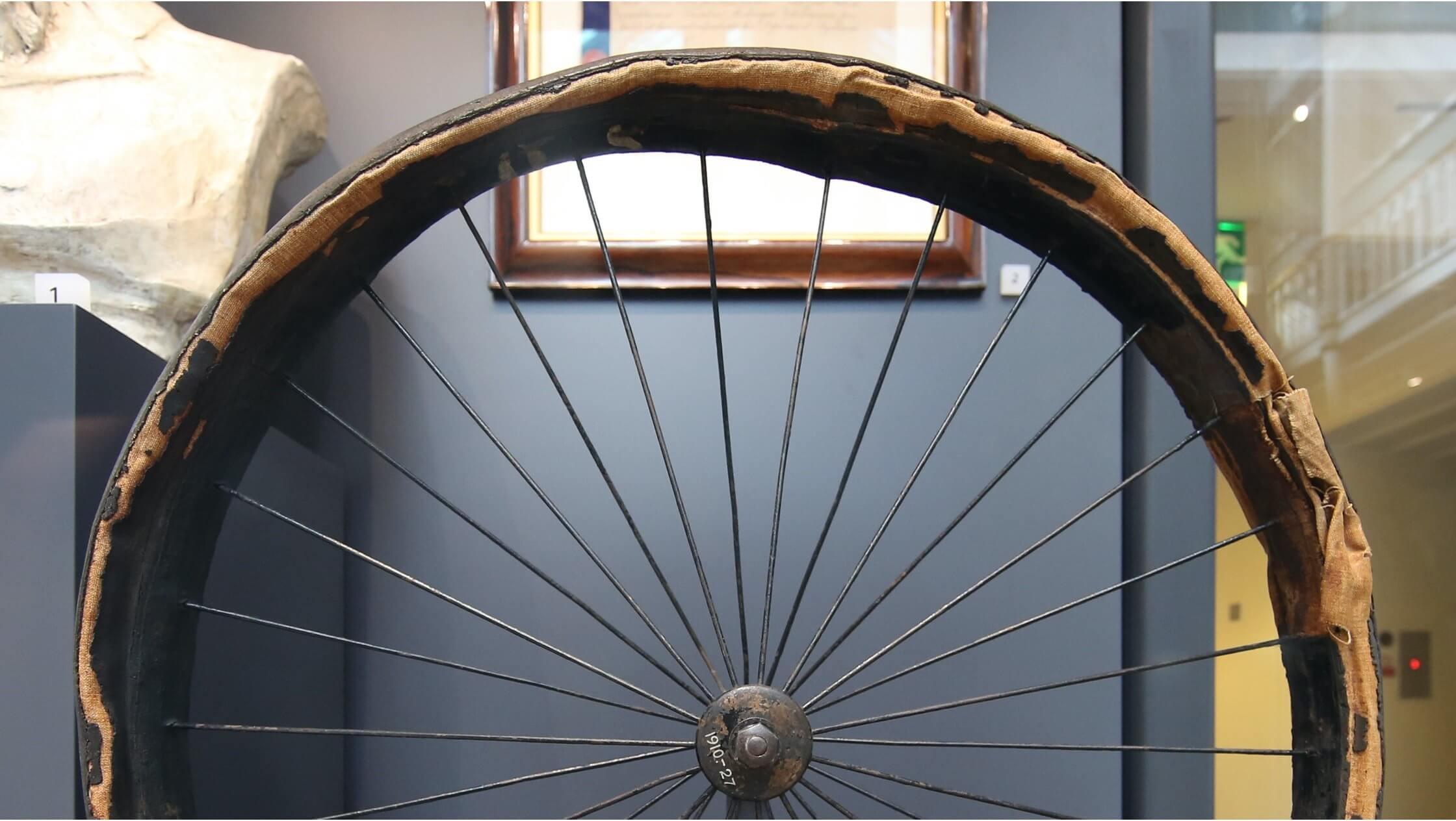 Dunlop patentovaná pneumatika